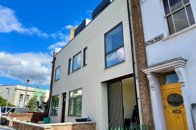Thumbnail Flat to rent in Alpha Road, Southville, Bristol