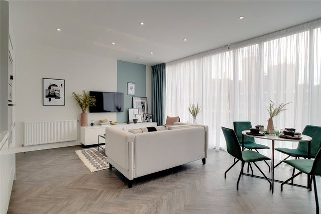 Thumbnail Flat for sale in Legacy Wharf, London