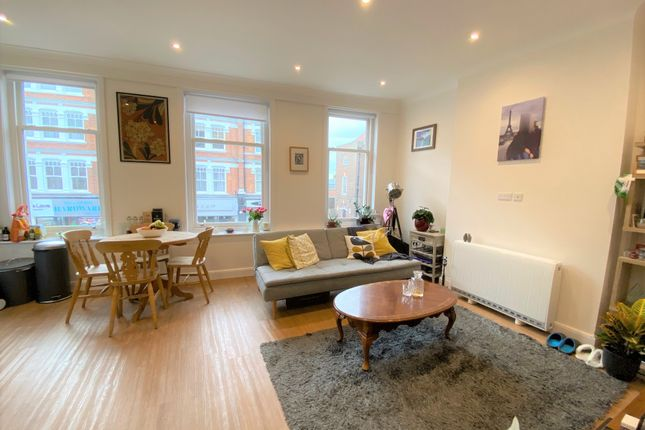 Thumbnail Flat to rent in Avenue Mews, Muswell Hill, London