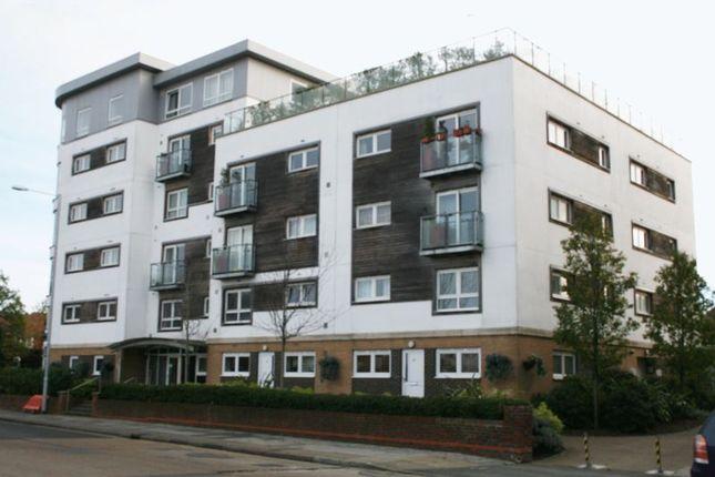 Thumbnail Flat to rent in Cherrydown East, Basildon
