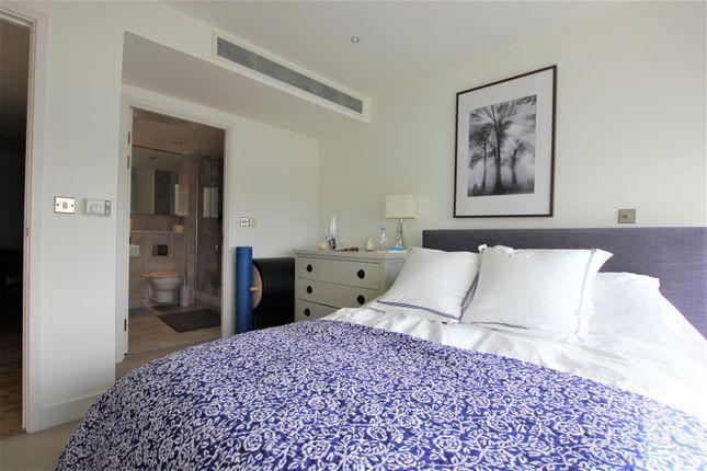 Master Bedroom 2 of The Landmark, Canary Wharf E14