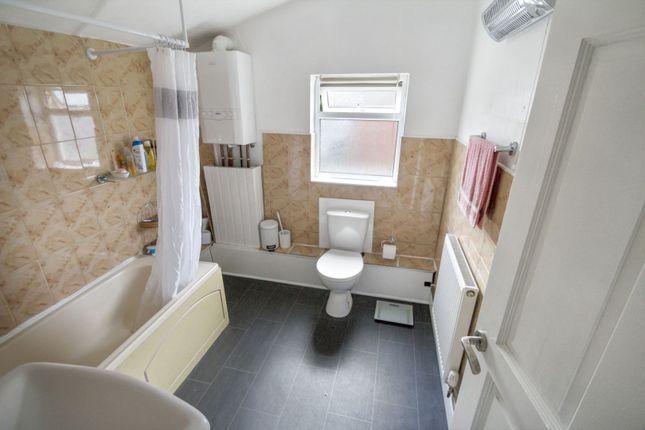 Bathroom of Cossham Road, St George BS5