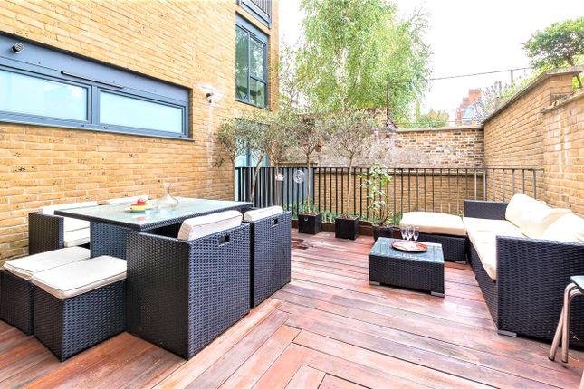 Thumbnail Flat for sale in Dallington Street, London