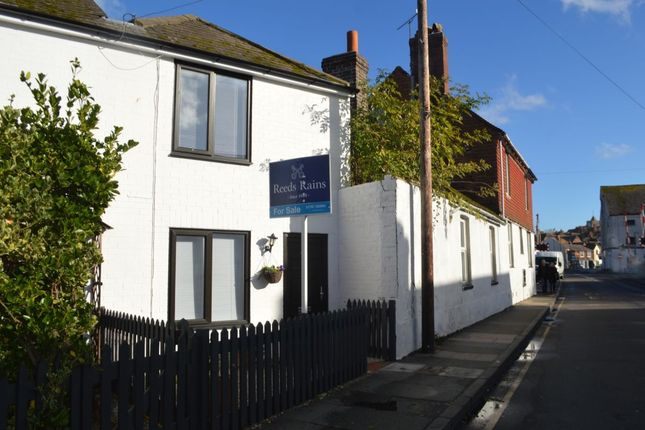 Thumbnail Terraced house for sale in Ferry Road, Rye