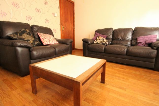 Thumbnail Terraced house to rent in Ashville Grove, Hyde Park, Leeds