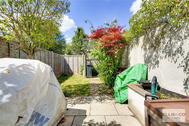 Picture No. 15 of Clive Road, Enfield EN1