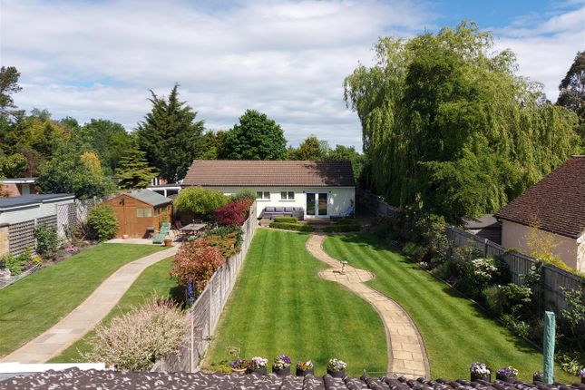 20200519_104640 of Hamlet Hill, Roydon, Essex - Chain Free CM19