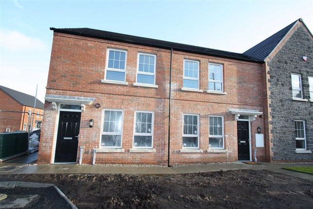 2 bed flat to rent in Fort Manor, Dromore BT25