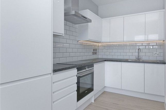 Flat to rent in Holloway Road, Islington