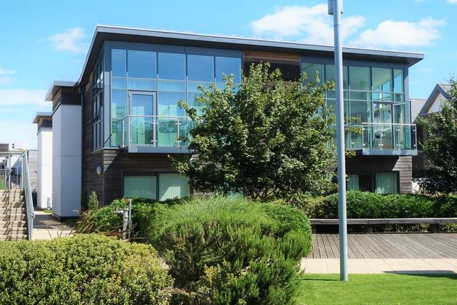 Thumbnail Flat for sale in Park Way, Newbury