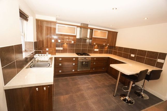 Thumbnail Flat to rent in Chorley Road, Blackrod, Bolton