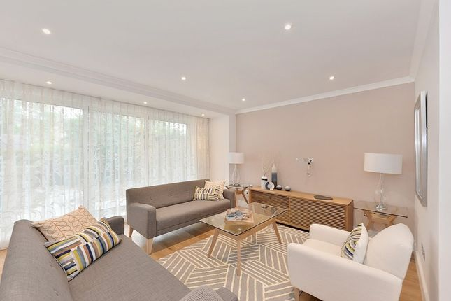Thumbnail Property to rent in Telford Terrace, Pimlico