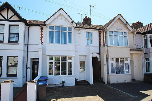 2 bed flat to rent in Southfield Road, Broadwater, Worthing BN14