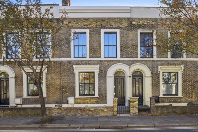Thumbnail Terraced house to rent in Old Ford Road, Bethnal Green, London