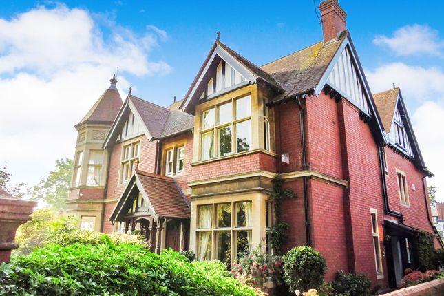 Thumbnail Property for sale in Victoria Square, Penarth