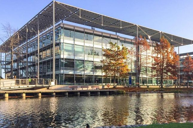 Thumbnail Office to let in Building 10 - Chiswick Park, Chiswick
