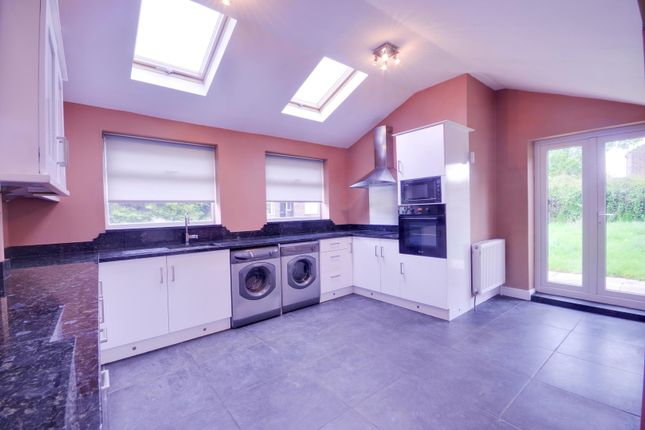 Thumbnail Semi-detached house to rent in Chalk Hill, Watford, Hertfordshire