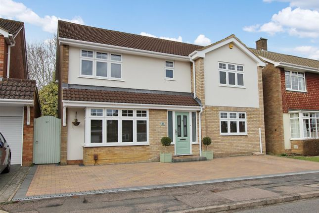 Thumbnail Detached house for sale in Crossfell Road, Leverstock Green, Hertfordshire