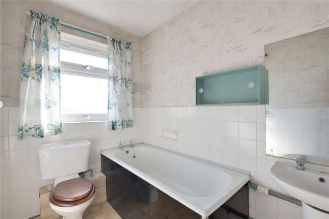 Bathroom of Courtlands Avenue, Lee, London SE12