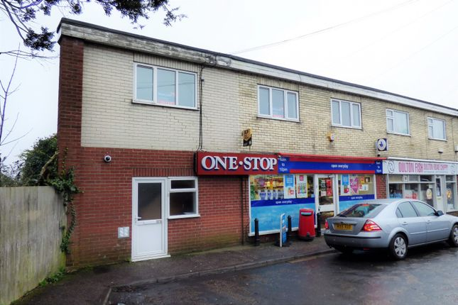 Thumbnail Flat to rent in Oulton Road, Lowestoft
