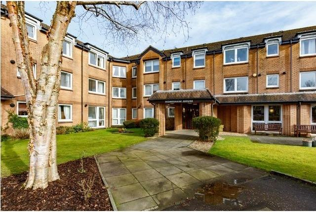 Thumbnail Flat to rent in Broomhill Gardens, Newton Mearns, Glasgow