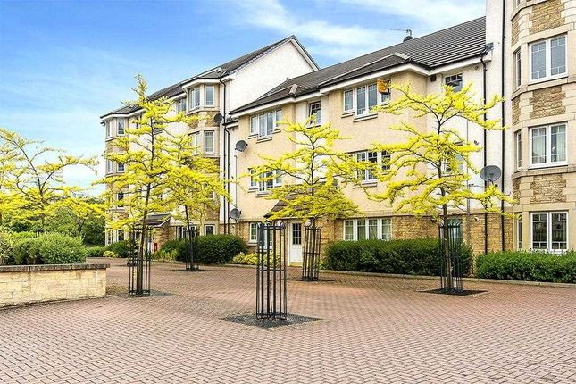 2 bed flat to rent in Simpson Square, Perth