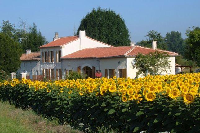 Thumbnail Villa for sale in Vanzac, Charente-Maritime, Nouvelle-Aquitaine