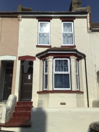 Thumbnail Shared accommodation to rent in Cecil Road, Rochester, Kent