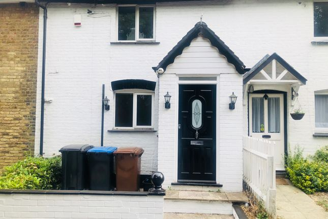 Thumbnail Cottage to rent in Church Lane, Potters Bar