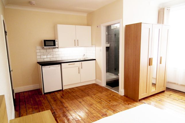 Thumbnail Room to rent in Lincoln Road, Croydon