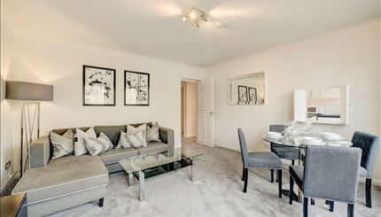 Thumbnail Flat to rent in 161 Fulham Road, London