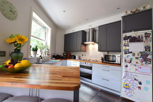 Thumbnail Property for sale in Silverdale Road, Tunbridge Wells, Kent