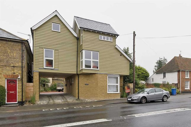 Thumbnail Flat to rent in London Road, Teynham, Sittingbourne