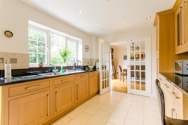 Thumbnail Property for sale in Crothall Close, Palmers Green