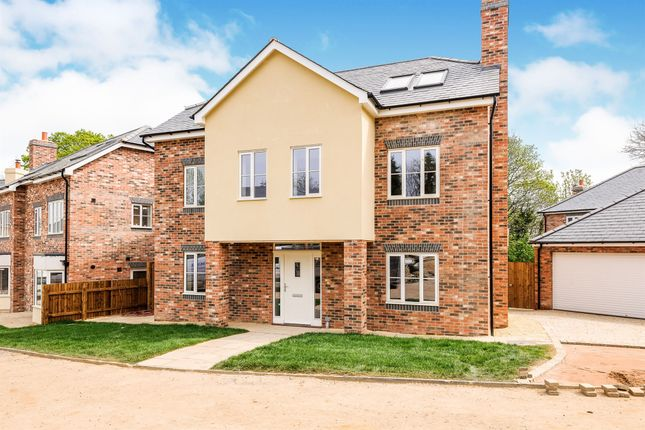 Thumbnail Detached house for sale in Hornyold Avenue, Malvern