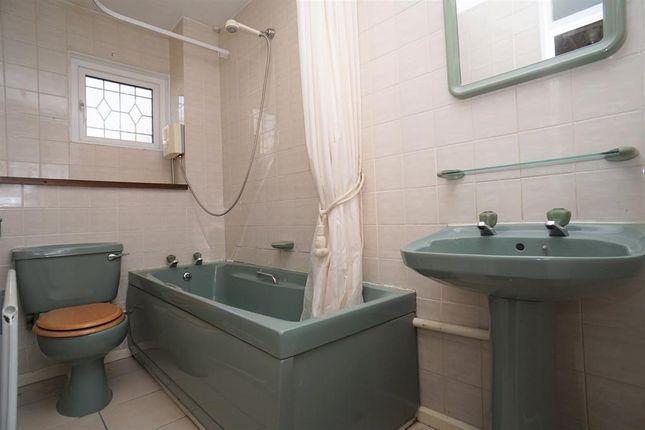 Bathroom of Roscoe Mount, Stannington, Sheffield S6
