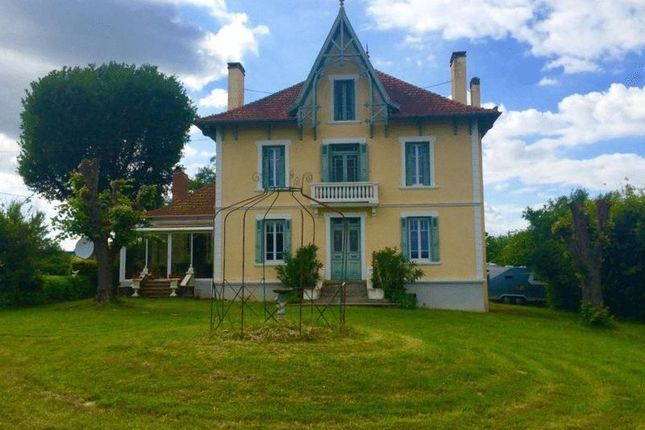 Thumbnail Country house for sale in 40320 Sorbets, France