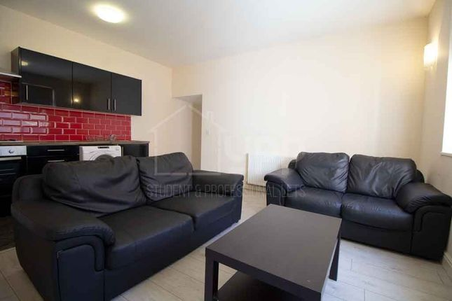 Thumbnail Property to rent in Clarendon Road, Hyde Park, Leeds