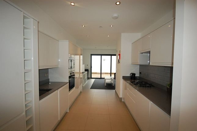 Thumbnail Property to rent in South Grove, London