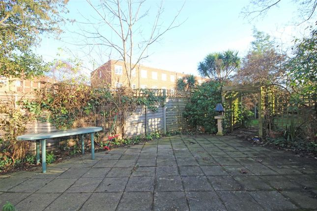 Thumbnail Flat to rent in Kew Road, Kew, Richmond