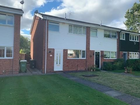 3 bed property to rent in Barrow Close, Redditch B98