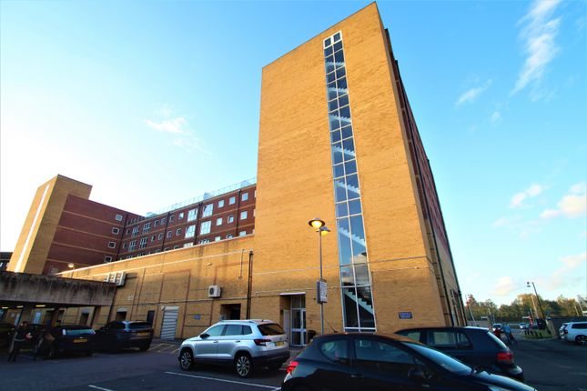 2 bed flat to rent in Edinburgh Gate, Harlow CM20