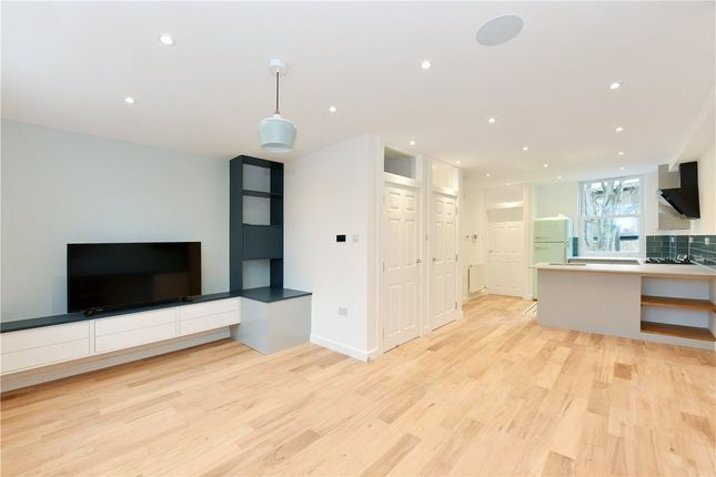 3 bed flat for sale in Turneville Road, Fulham, London W14