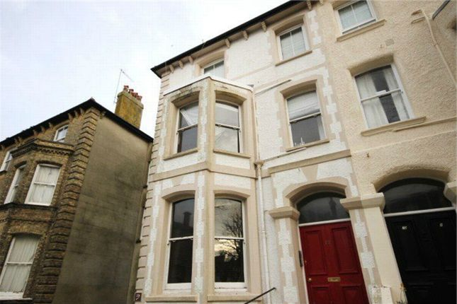Thumbnail Flat to rent in Selborne Road, Hove, East Sussex