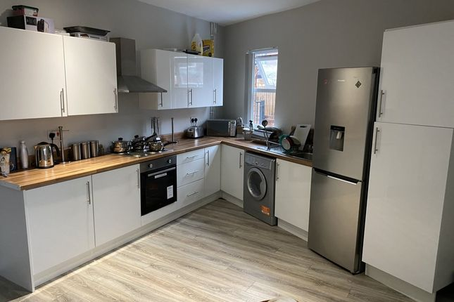 Room to rent in Delph Street, Wigan WN6
