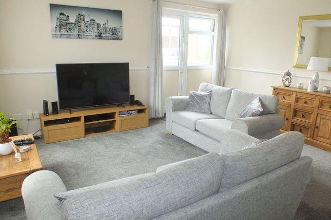 Thumbnail Flat to rent in Marlborough Grange, Leeds, West Yorkshire