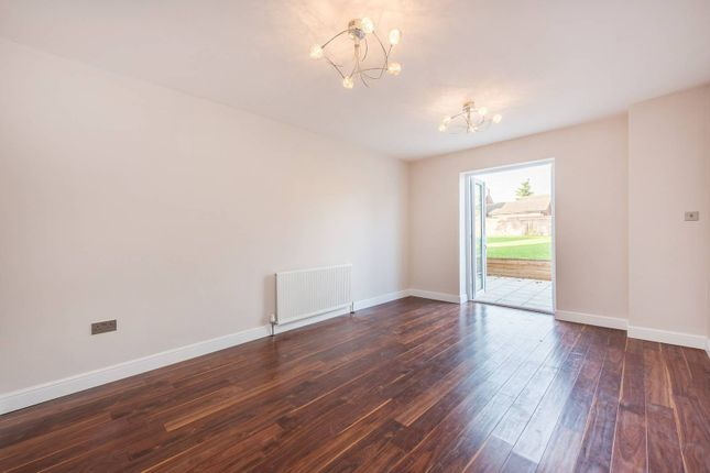 Thumbnail Flat for sale in Kingsend, Ruislip