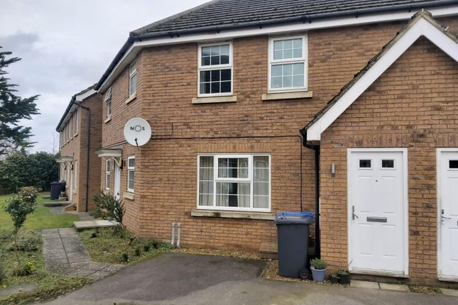 2 bed flat to rent in Whistlefish Court, Norwich NR5