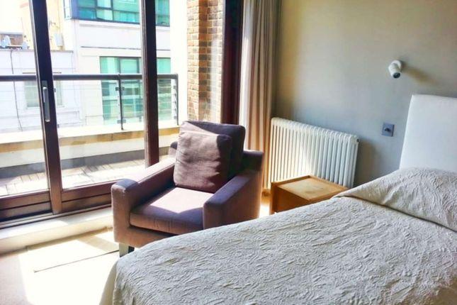 Thumbnail Flat to rent in Kensington High Street, London