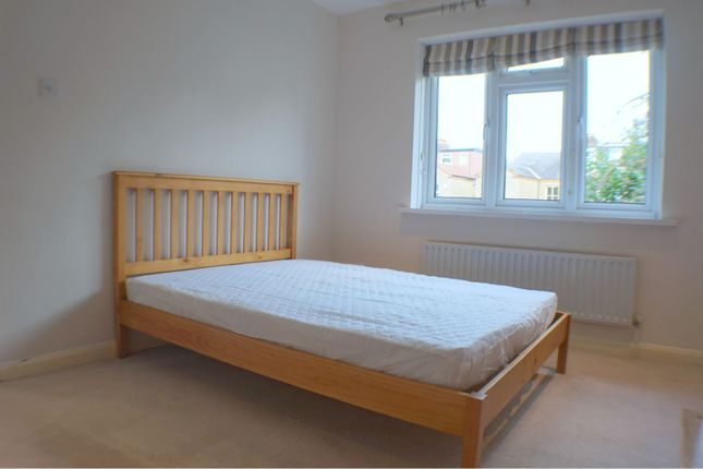 Thumbnail Flat to rent in Grove Close, Kingston Upon Thames